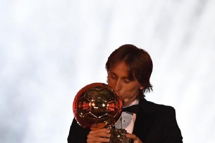 Luka Modric Ingin Lebih Lama Bersama Real Madrid.