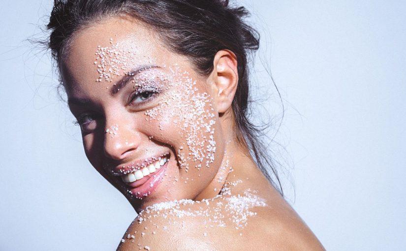 Apakah Benar Garam Dapat Meredakan Jerawat, dan Baik Untuk Kecantikan?