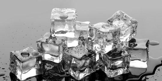 Berbagai Manfaat Es Batu